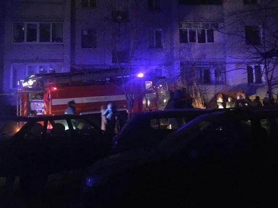 Из-за пожара в подвале пятиэтажки в Фокинском районе Брянска эвакуировали 60 человек
