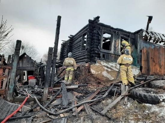 За ночь в двух пожарах погибли трое южноуральцев