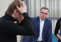 Румянцев готов пойти на мировую с екатеринбуржцем, толкнувшим его в сквере у Драмтеатра