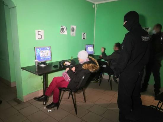 """""""Подпольное казино"""" обнаружили в одной из псковских многоэтажек"""