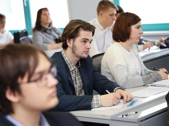 В России перенесли сроки написания итогового сочинения в 11-х классах