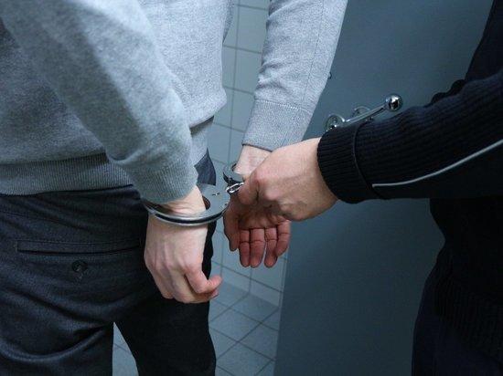 Двое мужчин похитили 80 000 рублей с карты собутыльника