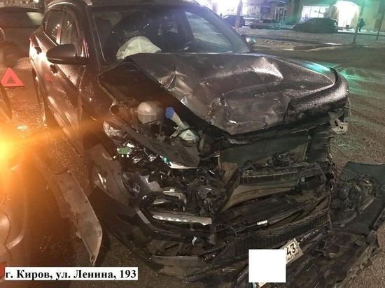 ДТП на улице Ленина в Кирове: пострадала 18-летняя девушка