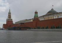 Пресс-секретарь президента России прокомментировал инцидент в Петербурге, где на заседании муниципальный депутат порвал портрет Путина, после чего приехали разбираться силовики