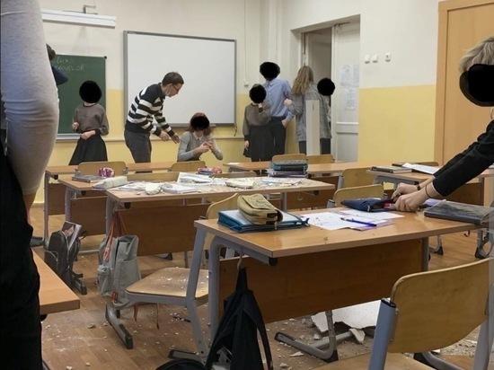 В Архангельске во время урока обвалился потолок в школе 1936-го года