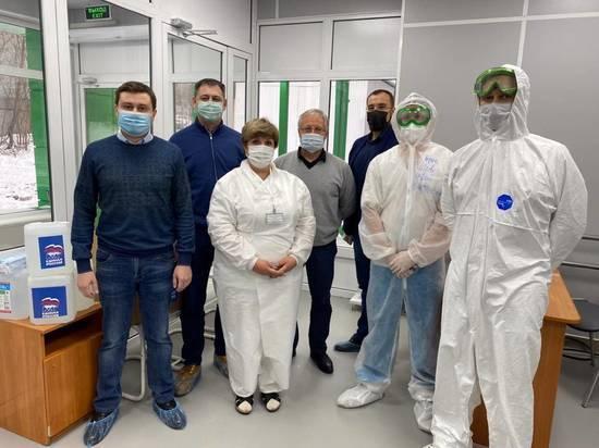 В Новосибирскую больницы №25 доставили крупную партию СИЗов