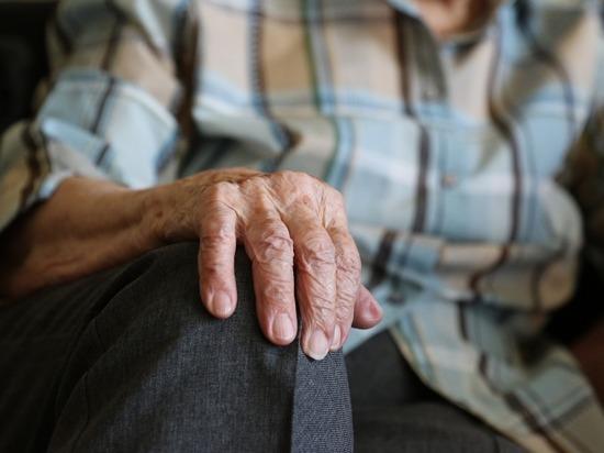 В Копейске мужчина выдавил глаз пенсионеру