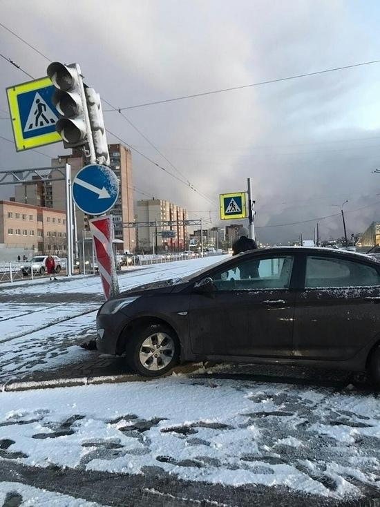 Беременная девушка попала под машину в Купчино