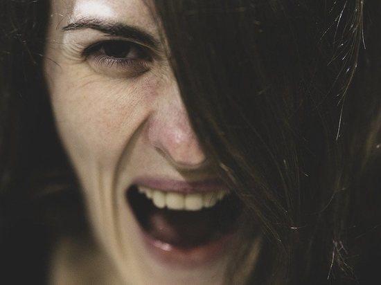 Забайкалка хотела взять на себя вину мужа и избила полицейских