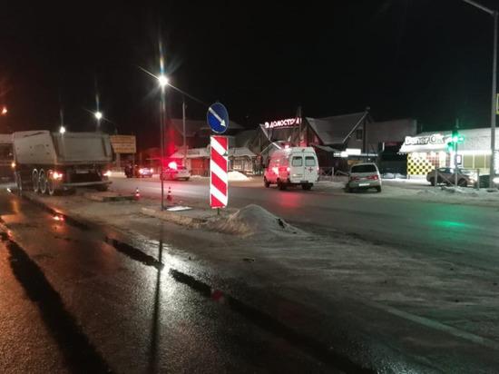 Врачи не смогли помочь: новосибирец погиб после столкновения с грузовиком