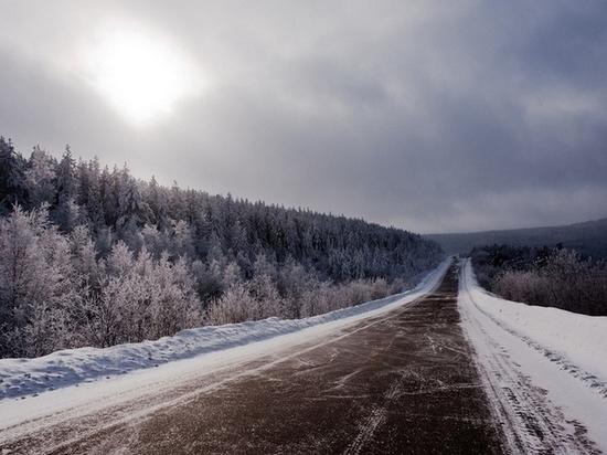 Движение по «Байкалу» закрыли из-за столкновения двух фур в Забайкалье