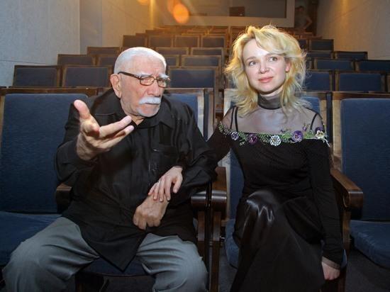 Бывшая жена актера Армена Джигарханяна, Виталина Цымбалюк-Романовская, решила обновить образ