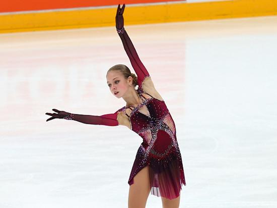 Трусова трижды упала в произвольной и лишилась шансов на победу в Гран-при России