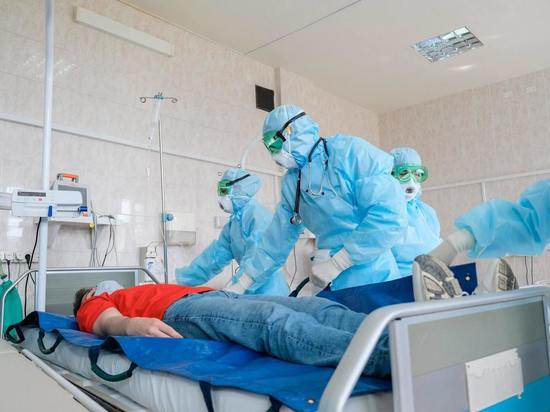 Борющиеся с COVID волгоградские медики смогут раньше выйти на пенсию