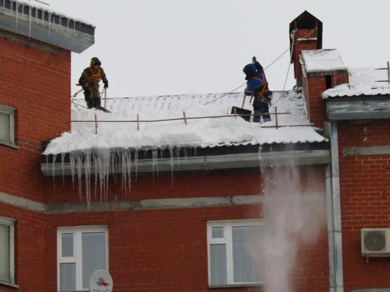 Жителей Салехарда предупредили о сходе снега с крыш