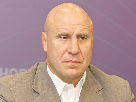 Президент Федерации спортивной борьбы России отпраздновал день рождения на работе