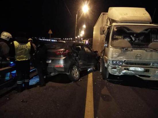 Автомобилистка погибла в ДТП с двумя грузовиками в Чувашии