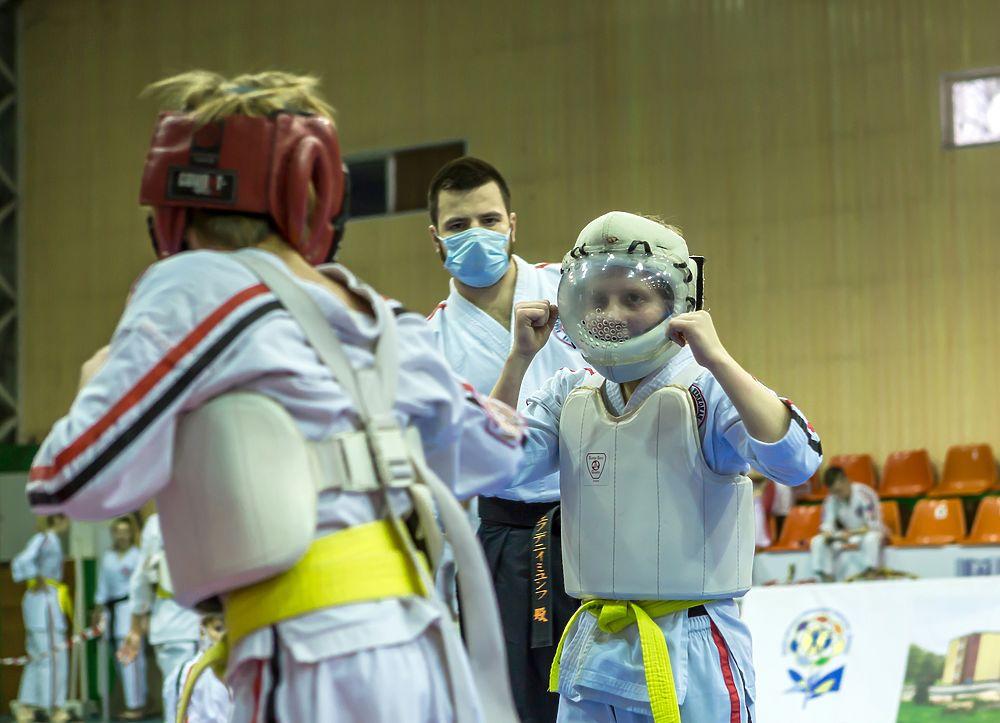 В Донецке определили новых чемпионов по косики каратэ