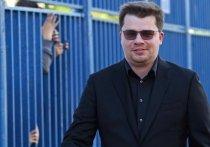 Резидент Comedy Club Гарик Харламов после развода с актрисой Кристиной Асмус сделал благородный жест по отношению к их совместной дочери — он переписал на шестилетнего ребенка загородный четырехэтажный дом