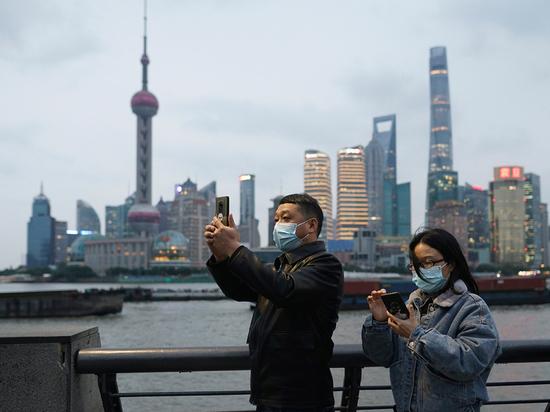 Вирусологи обозначили главные причины завершения эпидемии на Востоке