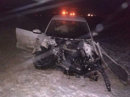 В Калмыкии на дорогах двое погибли, пятнадцать ранены