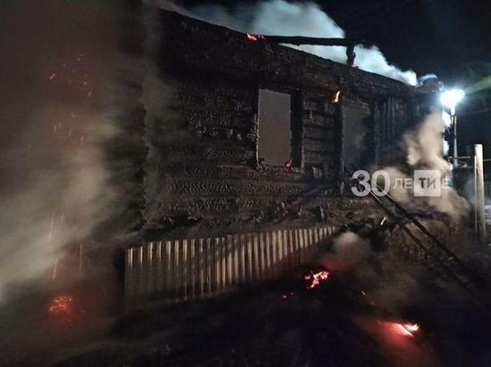 Один погиб и четверо пострадали в ночном пожаре в Татарстане