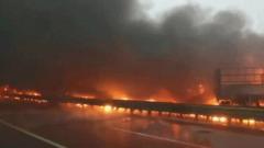 В Китае столкнулись более 40 машин: скоростная трасса в огне