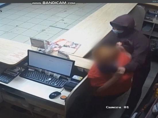 Опасного грабителя объявили в розыск в Кузбассе