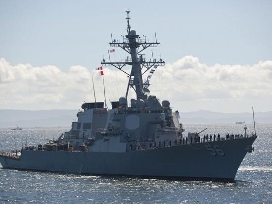 Российское военное ведомство рассказало об инциденте, который произошел в российских территориальных водах с американским эсминцем «Джон Маккейн» в заливе Петра Великого