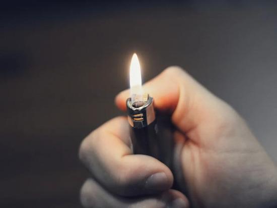 В Волгоградской области намерены запретить продавать зажигалки детям