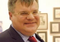 КГБ Белоруссии сообщило, что бывшему претенденту на участие в выборах президента Виктору Бабарико предъявлено обвинение по его уголовному делу
