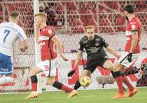 Завершился первый круг чемпионата России по футболу, сыгранный ввиду пандемийной ситуации в небывало сжатые сроки