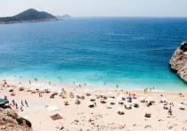 Большинство пляжей на курортах Турции, пользующиеся наибольшей популярностью среди туристов, имеет серьезные недостатки
