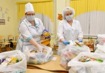 На Ямале ученикам-удаленщикам начали доставлять продуктовые наборы