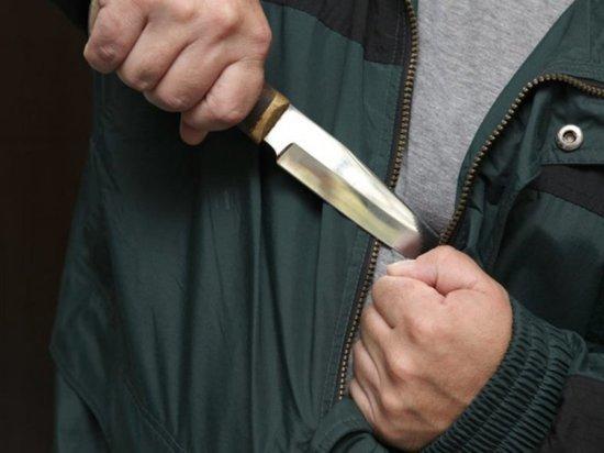 В Чувашии мстительный пенсионер шесть раз ударил ножом молодого знакомого