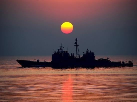 В Британии сообщили об «угрозе третьей мировой» из-за эсминца ВМС США