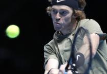 Российский теннисист Андрей Рублев провел роскошный сезон, выиграл пять титулов, стал восьмым номером рейтинга и попал на Итоговый турнир в Лондон