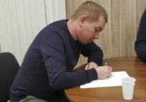 Взявшего в заложники шестерых детей в Колпино, Дениса Бельтюкова, отправили в СИЗО на два месяца