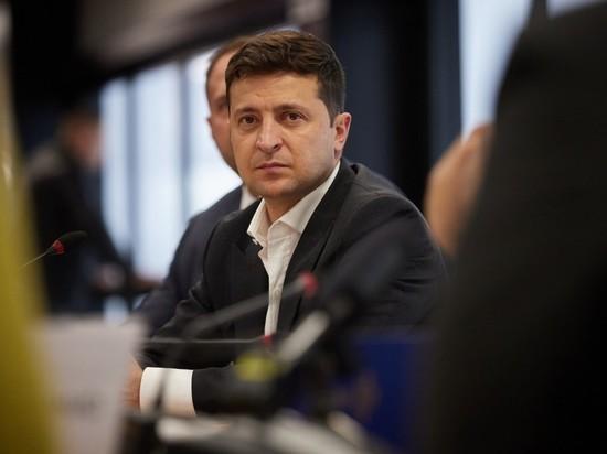 Слова про очередной кризис на Украине при администрации президента  Владимира Зеленского уже превратились в банальность, но на этот раз все гораздо серьезнее - в стране кончаются деньги, и их к тому же больше неоткуда брать