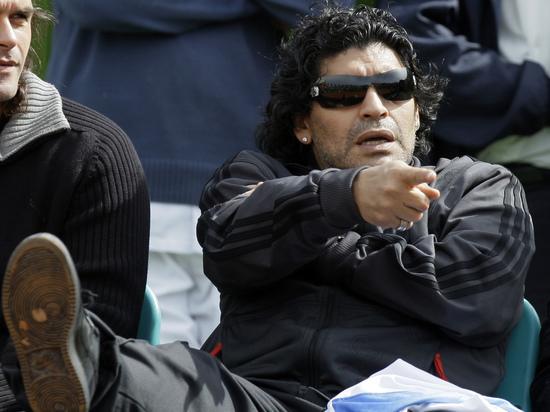 Прощание с Марадоной проведут в президентском дворце Аргентины