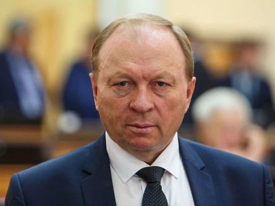 «Будьте мужиком»: Спикер парламента Бурятии попросил Иринчея Матханова сдать мандат