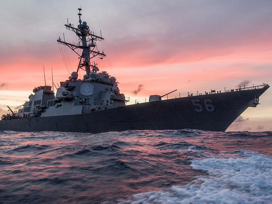 Инцидент с участием американского эсминца произошёл во вторник в заливе Петра Великого
