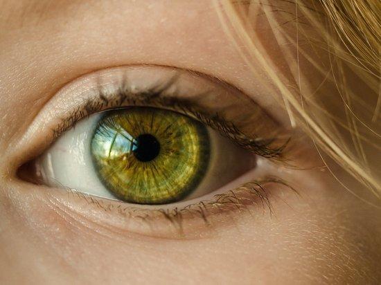 Ученые нашли связь между болезнями и цветом глаз человека