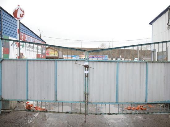 26 ноября произошло, наконец, событие, которое назревало почти десять лет. Начался снос Карповского рынка в Ленинском районе