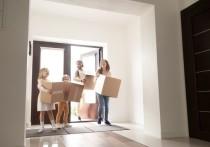 Двухкомнатные квартиры пользуются очень высоким спросом. Эксперты полагают, это потому, что квартиры с двумя комнатами подходят разным категориям жильцом. Они ценятся молодыми семьями и семьями с детьми, потому что позволяют выделить отдельно детскую. Они ценятся теми, кто живет со старшим поколением, и привлекают даже людей, которые любят жить в одиночестве. «МК» в Питере» рассказывает о некоторых наиболее интересных продуктах на рынке
