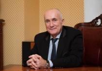 Адвокат Алексей Завгородний, которого в ходе расследования уголовного дела об убийстве олигарха Владимира Маругова обнаружили прикованным наручниками в квартире, заболел COVID-19