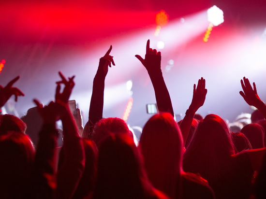 2020 год станет для звезд эстрады самым тяжелым, ничего подобного раньше не было – гонорары сократились в разы, заявил «Собеседнику» концертный директор Софии Ротару Сергей Лавров