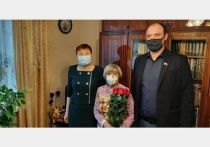 В Смоленске поздравили матерей Героев России