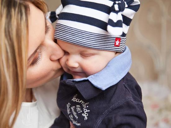 29 ноября в России отметят День матери