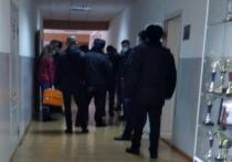 Учитель истории из Нальчика, которого 27 ноября избили родственники отстающего ученика-восьмиклассника, в тяжелом состоянии